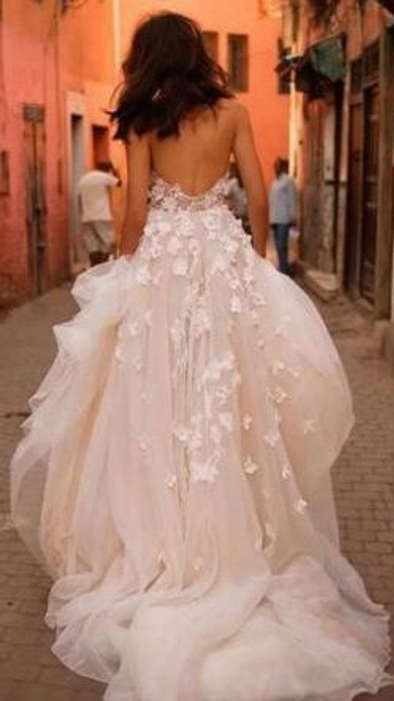 Alexa' Gorgeous Bohemian Princess Appliqué Lace & Tulle Wedding Dress with Sweep Train