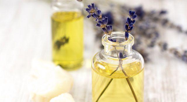 L'huile essentielle de lavande, un indispensable pour l'été !