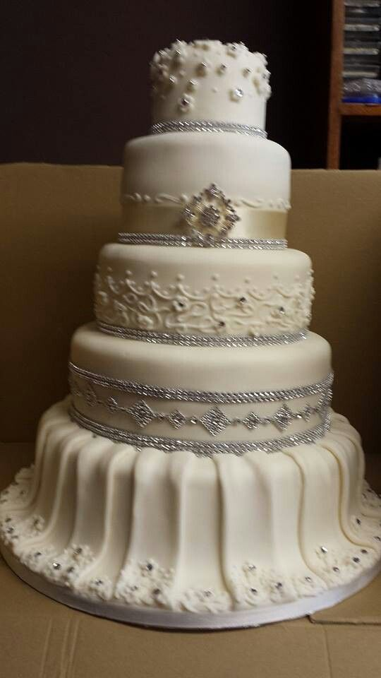 wedding cake rhinestone 47 best images about bling sparkle rhinestone wedding 23676