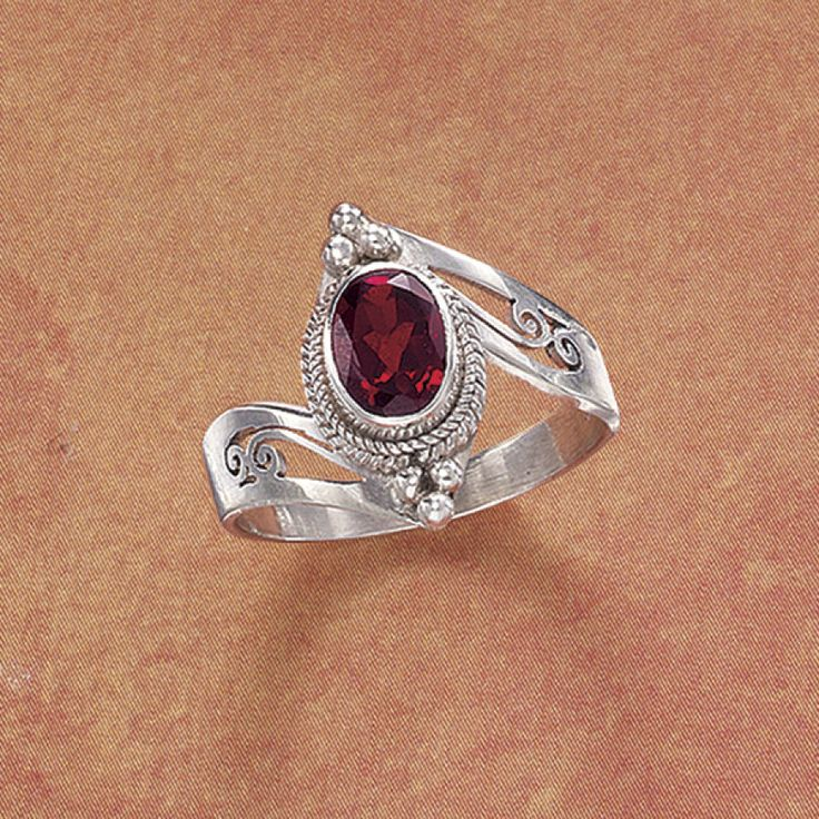 Pyramid Collection Onyx Garnet Ring