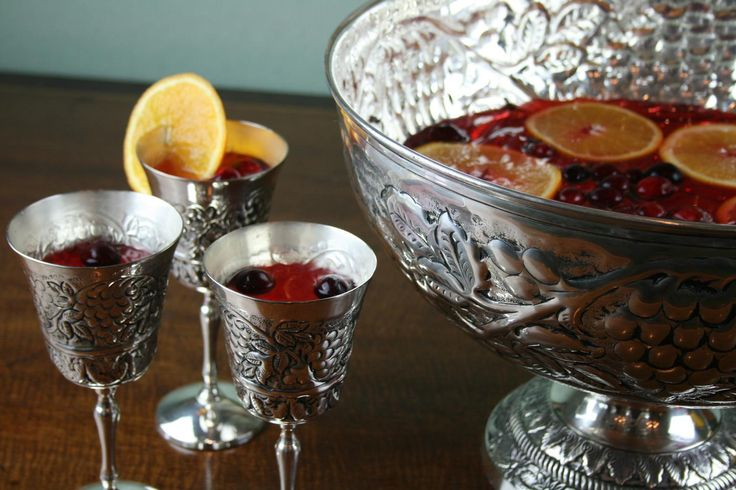 NewportStyle.net® - The Newport Mansions Stores :: New Arrivals :: Embossed Grapevine Punch Bowl