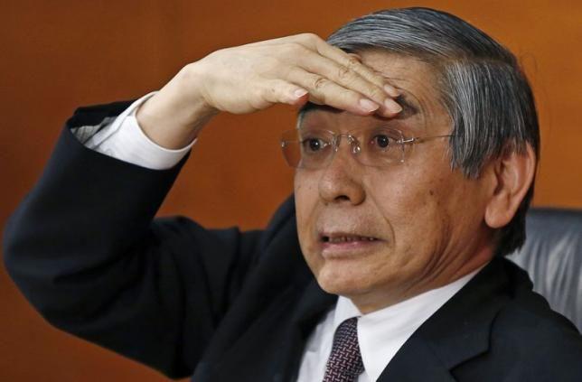 1月21日、日銀の黒田総裁は、金融政策決定会合後の記者会見で、原油などの商品価格が下落するなかでも「2%の物価目標は達成すべき」と明言した(2015年 ロイター/Toru Hanai)