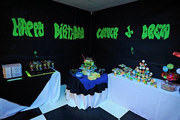 Wants and Wishes: Party planning: Neon/ Glow in the Dark Party