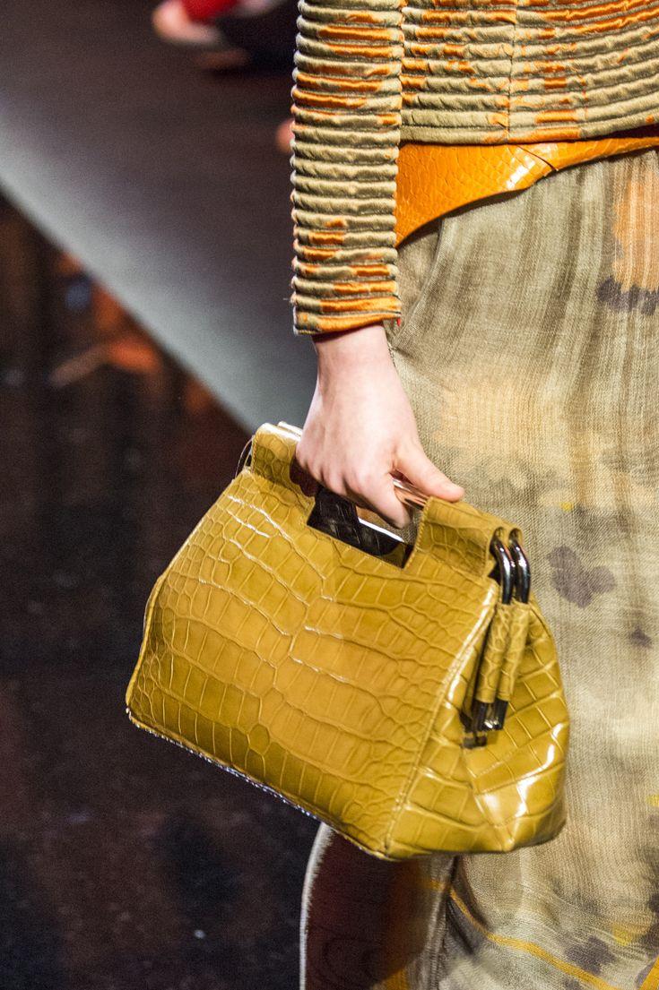 Giorgio Armani Privé Spring 2017 Couture Fashion Show Details - The Impression