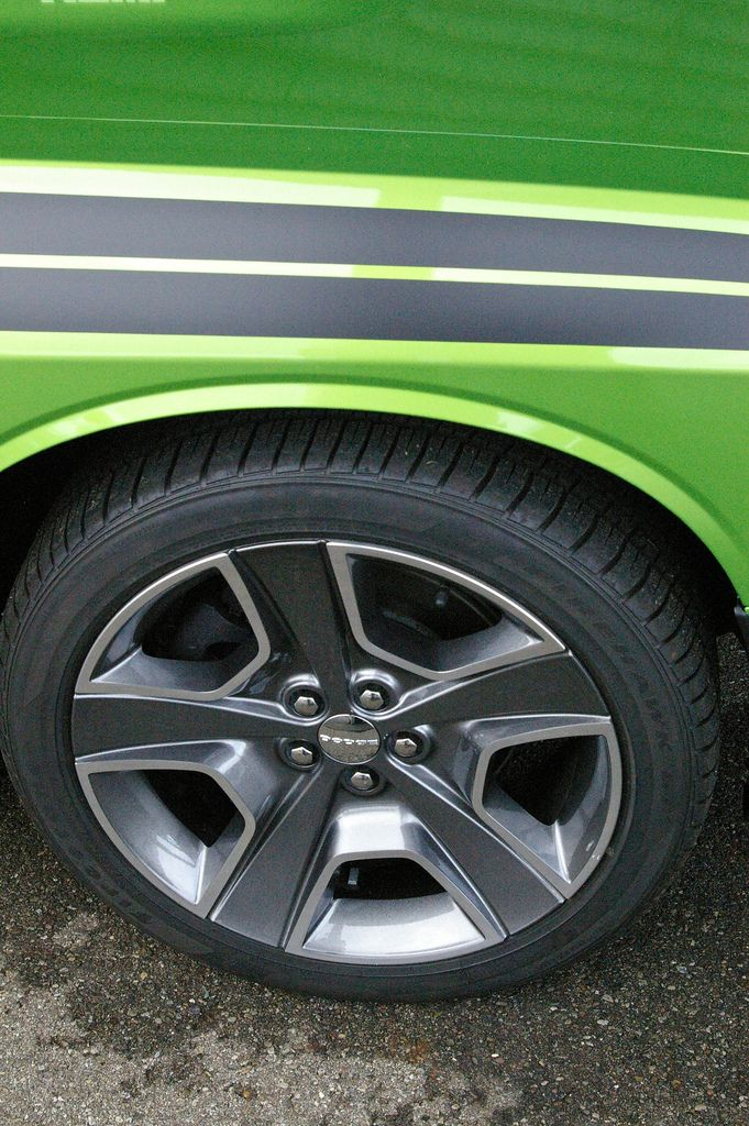 https://flic.kr/p/axTsdQ | IMGP0503 | 2011 Challenger R/T Classic - Green with Envy - Close Up