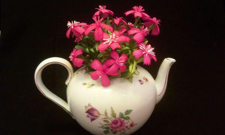 İpek Kozasından Yaban Karanfili  Sipariş vermek için: www.ipekelsanatlari.com - info@ipekelsanatlari.com  *****************************************  Caryophyllaceae made of silk cocoon  Buy it Online! www.ipekelsanatlari.com - info@ipekelsanatlari.com  #ipek #koza #cicek #yaban_karanfili #silk #cocoon #caryophyllaceae #handmade #diy_crafts #design #flower #ipekbocegi #ipekelsanatlari