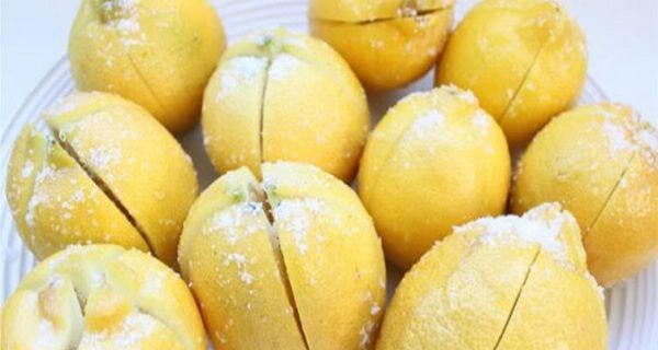 This weird, but extremely effective lemon diet is very simple. But, it can be really hard for some people. You need to drink a mixture of lemon juice and water, every day on empty stomach, immediately after you wake up. This lemon diet has two, extremely important health benefits: it detoxifies your entire organism and the second is – it helps you lose the excess weight. All you have to do is follow these easy and simple instructions for 2 weeks, and your body will be detoxified and you will…