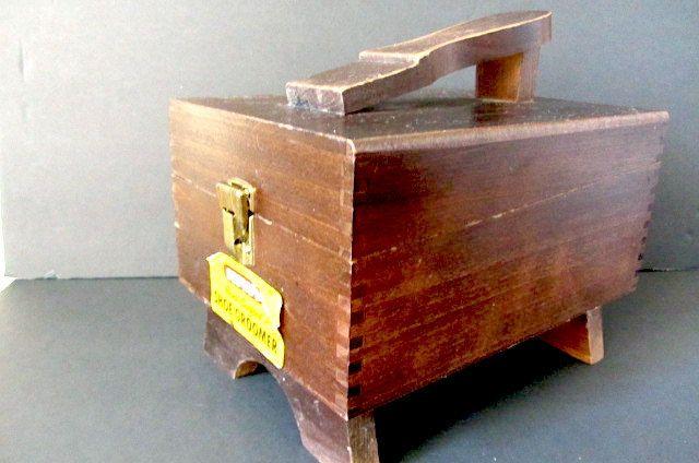 Vintage Shoe Cleaning box, hand made box, Wooden shoe box, shoe groomer box, kiwi shoe cleaner, 70s wooden box, rustic box,kiwi shoe groomer by lovesknitting on Etsy