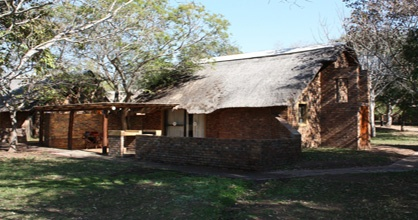 This safari is best suited for guests who want to relax and do activities early in the morning and late in the afternoon and have time off during the day to admire the camp's local inhabitants or relax at one of the viewing benches overlooking the dam.