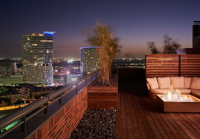 roof terrace   The best rooftop design ideas for your home! See more inspiring images on our board at http://www.pinterest.com/homedsgnideas/rooftop-design-ideas/