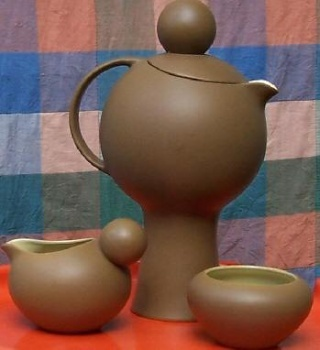 Dorothy Thorpe ball-handled 'beverage dispenser', small jug and bowl in Palm Springs