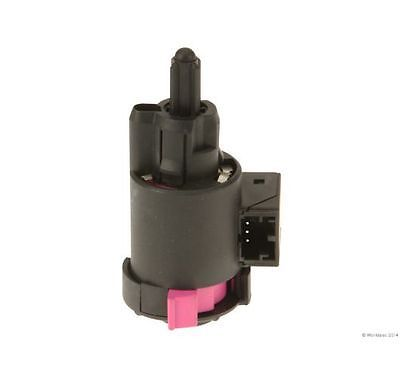 New Vemo Brake Light Switch Lamp Audi A4 Quattro A6 S4 A8 Q7 S6 Q5 S8 A5 S5 A7