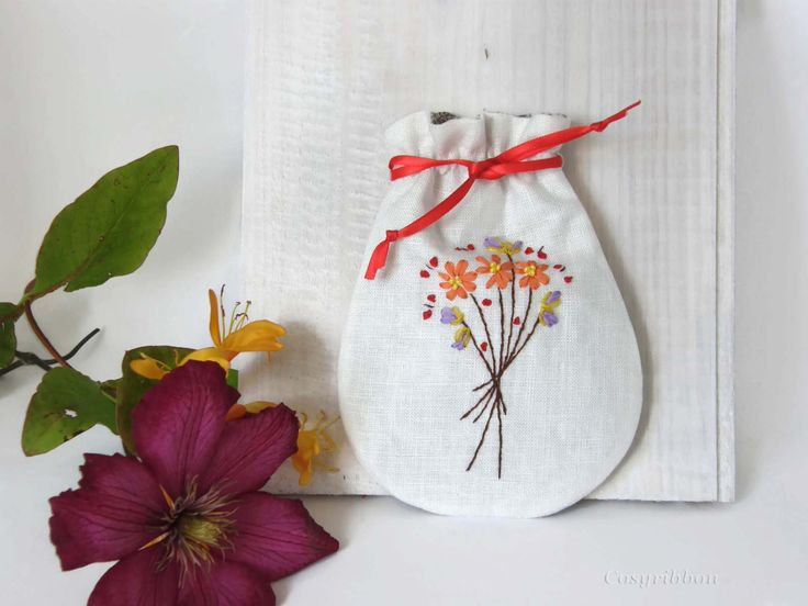 Jewelry Drawstring Pouch-Little Linen Purse -Embroidered Linen Pouch -Silk and Linen Gift Bag- Linen Drawstring Pouch by cosyribbon on Etsy