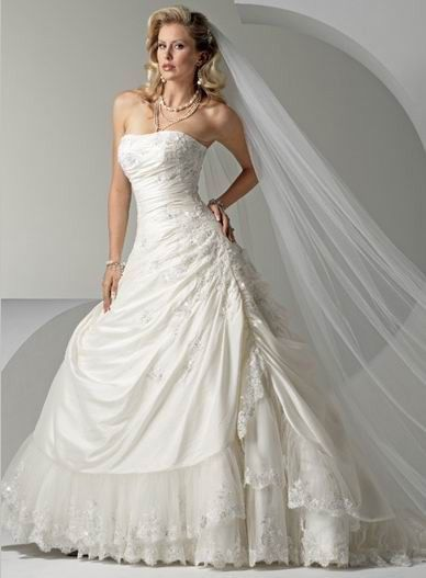 Seductive Strapless Applique Beads Working Lace Tiered Chapel Train Taffeta Ball Gown Bridal Gown In Canada Wedding Dress Prices