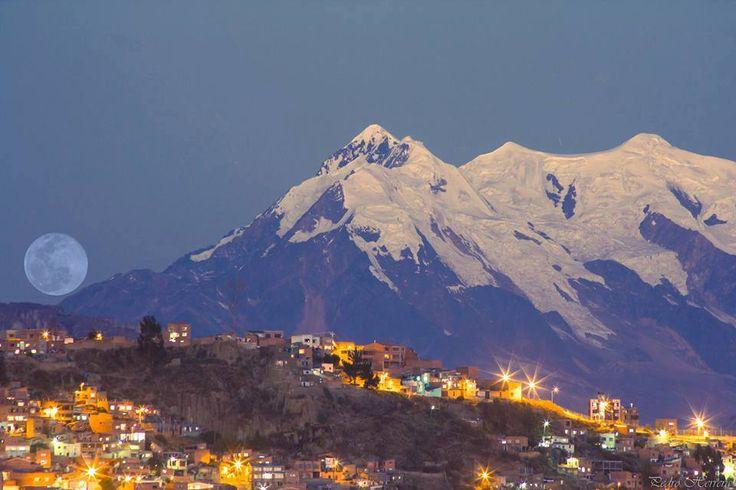 La Paz y Luna azul, fotgr. de Wendi Inarra