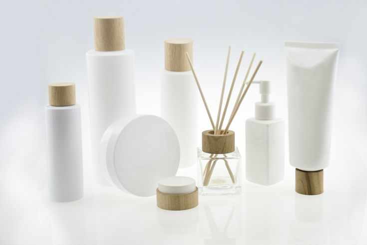 Wooden Cosmetic Packaging set - HDPE 250ml bottle with a wooden lid made by simply-wood.com ***Tangible product***
