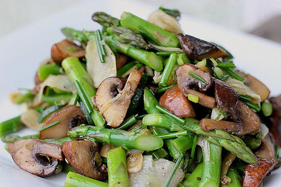 de-bloat with this mushroom and asparagus salad!