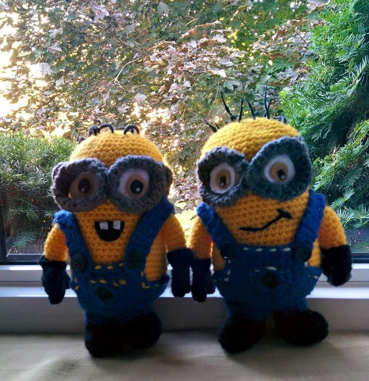 Super cute and easy Despicable Me Minion Pattern from Nichole's Nerdy Knots