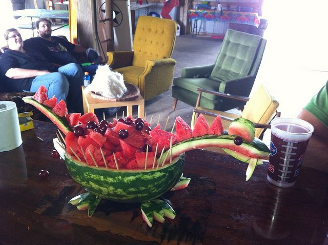 Am I even talented enough to recreate this?? Awesome watermelon dragon …