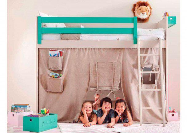 Divertida habitación infantil estilo cabaña