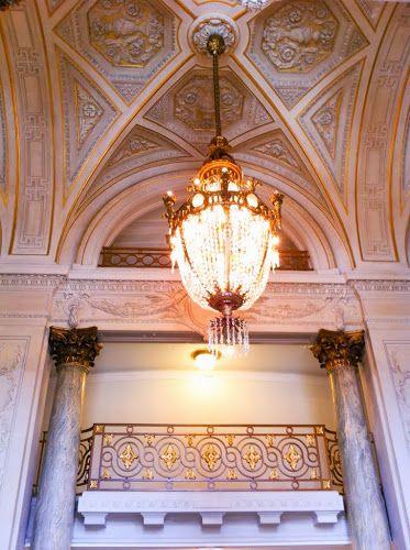 Sur un air d'Opéra à Lille | Je vous emmène visiter un lieu mythique de Lille: l'opéra . Si les spectacles d'Opéra resten...