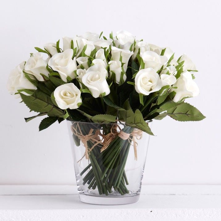 White Rose Bunch - The simple addition of flowers to any room give an instant feel of freshness. Alternating flowers to reflect and compliment the current season's and decor colour pallete. 10 per bunch.