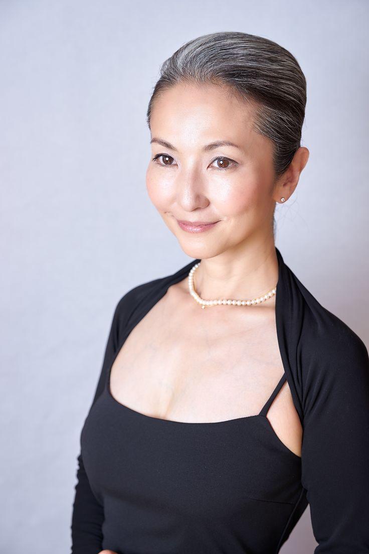 Mayuko Gray Hair Style