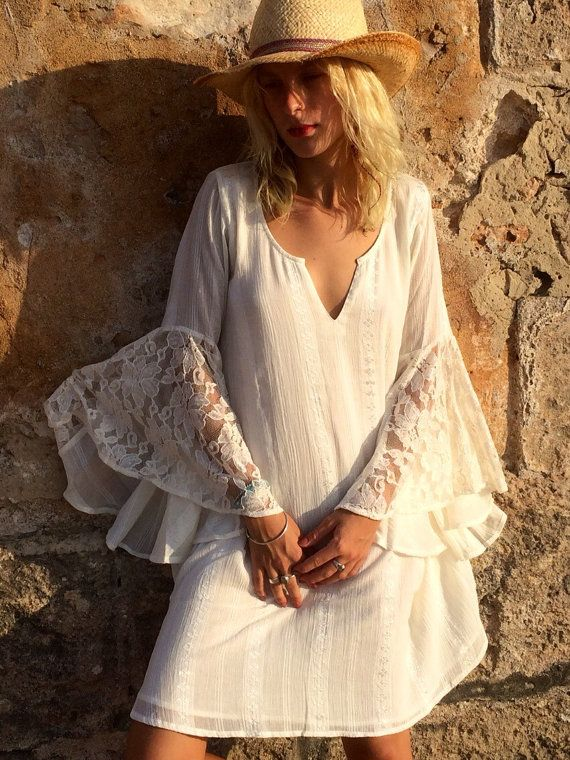 Hey, I found this really awesome Etsy listing at https://www.etsy.com/listing/240611829/white-ibiza-butterflies-sleeve-bio