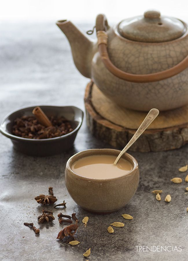 Cómo hacer té masala chai. Receta con fotografías del paso a paso y sugerencias de presentación. Trucos y consejos de elaboración...