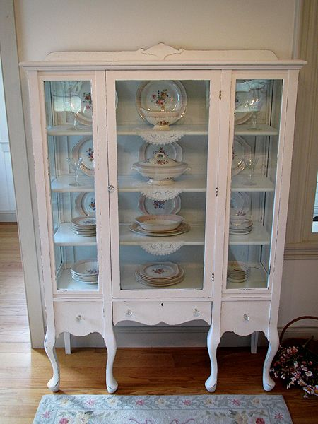 Lovely White Antique China Cabinet With Queen Anne Legs