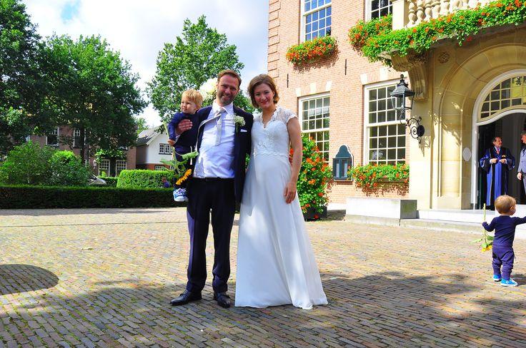 Wij feliciteren onze prachtige #bruid Elise en haar man Dimitri met hun #huwelijk 👰🏽🎉 Wat een mooi stel samen he?! #weirdcloset #bruiloft