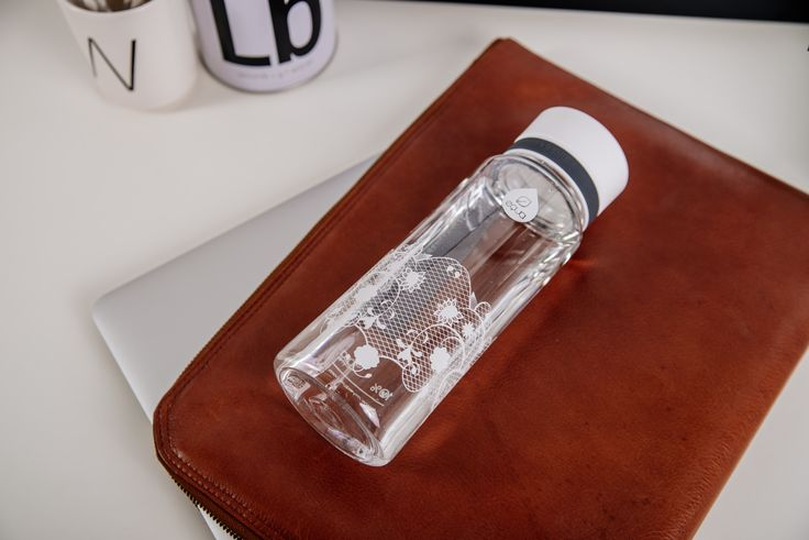 The EQUA bottles are an ecological and intelligent alternative to ordinary plastic bottles. Aside from keeping you hydrated and healthy it is a very chic accessory. #whitelace #equabottle #waterbottle #design #myequa