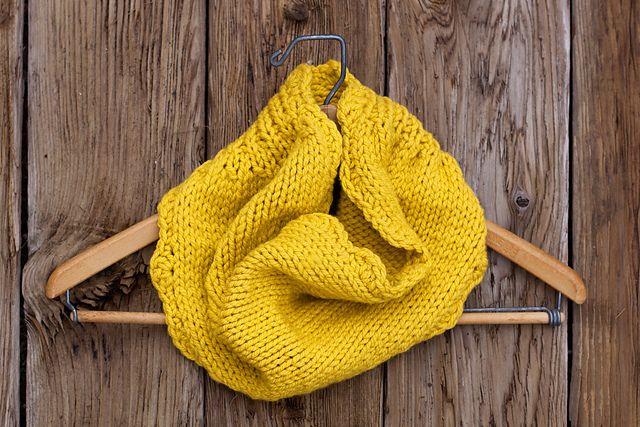 Ravelry: Asteraceae Cowl pattern by Jennifer Burke - free knitting pattern