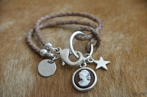 DIY simple leather and charms bracelet