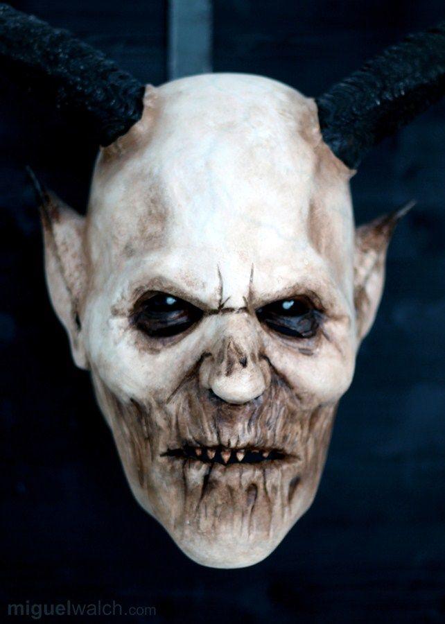Miguel Walch Holzmasken   Krampusmasken