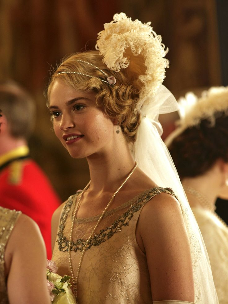 Lily james as lady rose macclare in downton abbey series 4 christmas