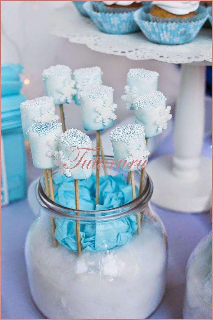 Mesa dulce de frozen, Frozen candybar #frozencandybar #elsa #anna #olaf #nubes #marshmallow www.tutururus.blogspot.com.es