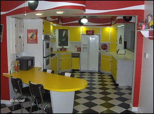 Home kitchen 50s diner style 50s theme decor 1950s for 50 s style kitchen designs