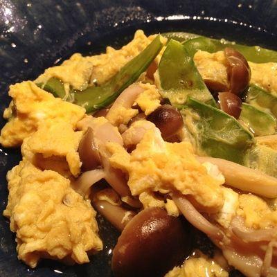 絹さやとしめじの卵とじ by RIESMOさん   レシピブログ - 料理ブログの ...