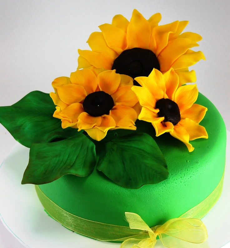 19 best My cakes with flowers images on Pinterest Cake creations