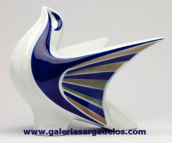 La Paloma es un icono de la cerámica de Sargadelos.  Es una de las piezas más vendidas y demandadas.