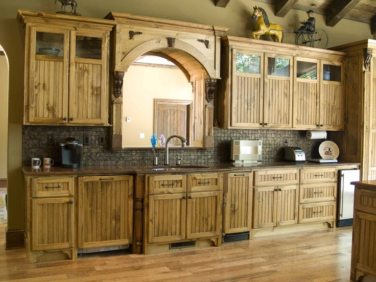 17 best ideas about pine kitchen cabinets on pinterest for Pine kitchen cabinets