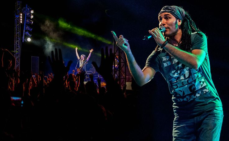 Markos Koumaris from Locomondo wearing πλAy  #πλAy #play #playshirts #tshirt #tee #locomondo #live #markos #koumaris #bank #reggae #ska