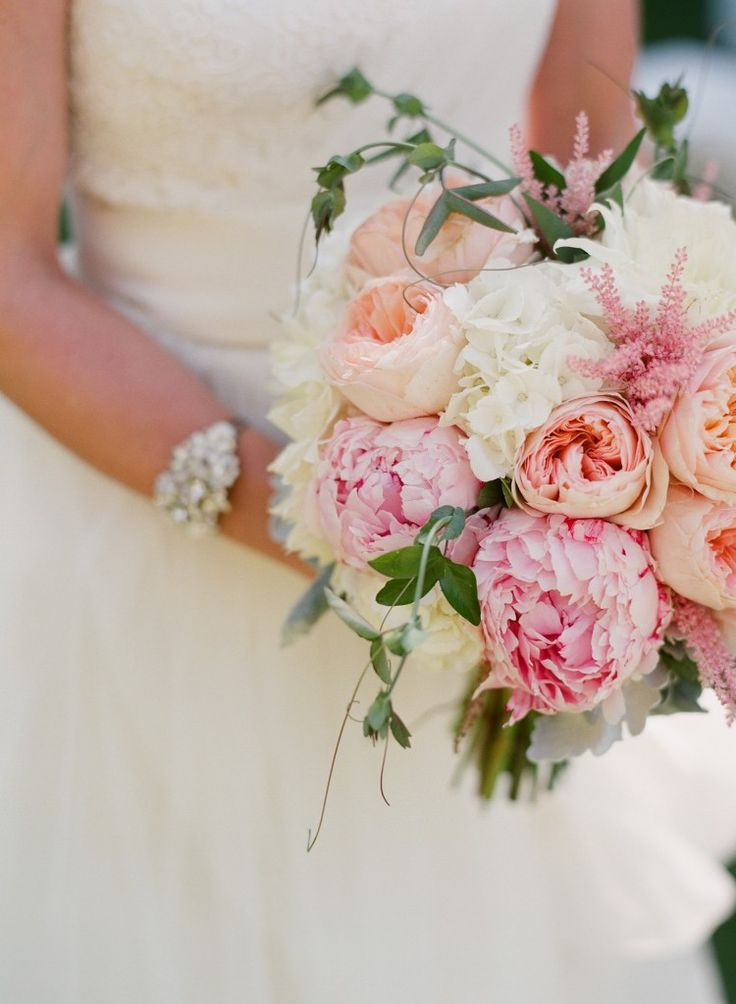 Three os my fav things: astible, peonies, and juliet roses...ahhh!