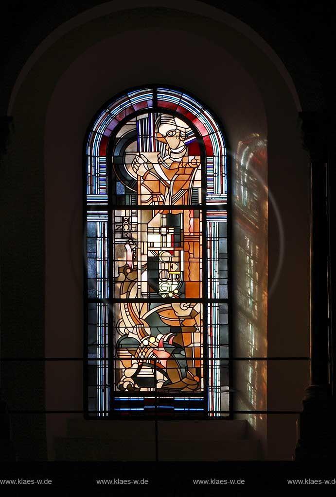Koeln Altstadt Sankt Georg Innenansicht Georgsfenster von Jan Thorn Prikker; Cologne old town romanesque church St. Georg