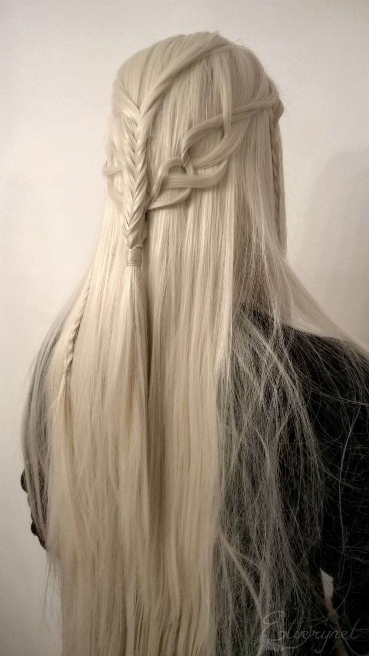 elfself:  ☙In a great hall with pillars hewn  out of the living stone sat the Elvenking on  a chair of carven wood. On his head was a  crown of berries and red leaves.❧  One of the elven hairstyles I created for HobbitConYoung Thranduil: fuckablenerdstuff​