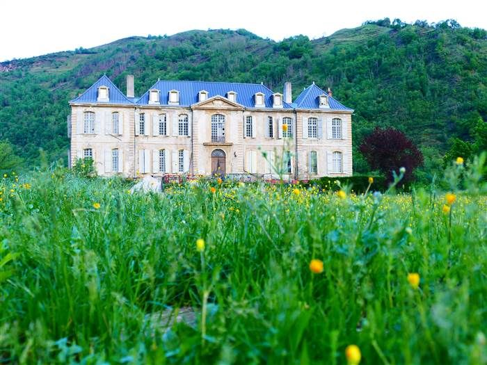 See The Breathtaking Ch Teau This Couple Is Renovating In