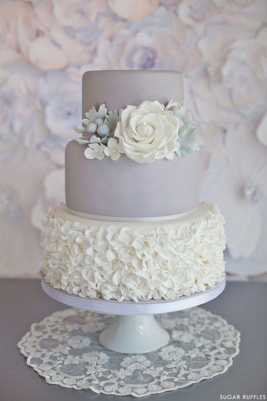 Torte // Lavendel / Weiß / Rosen