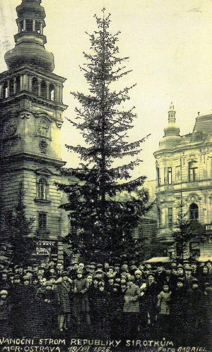 Vánoční strom Republiky pro sirotky r.1926