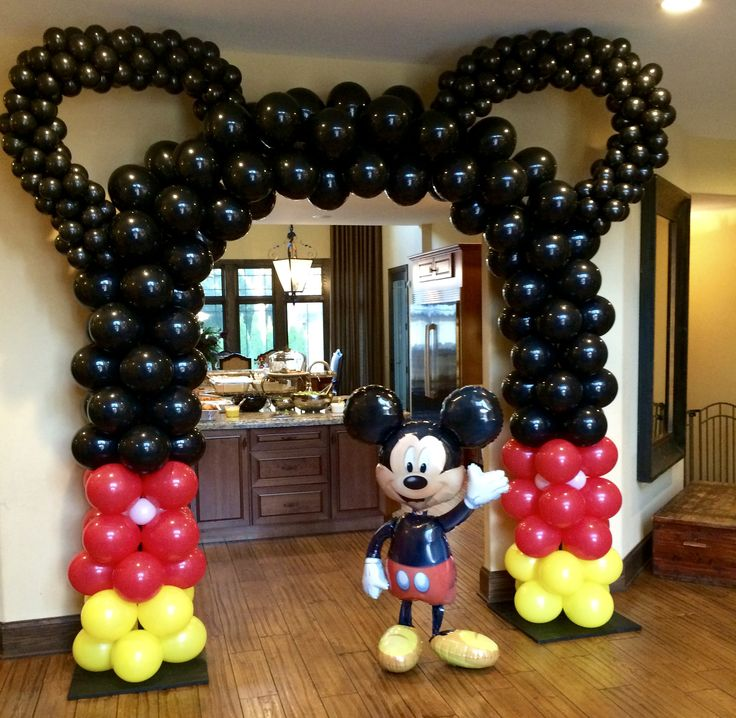 Mickey Mouse Ballon Arch First birthday party